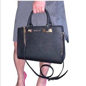 Auth, BWT Michael Kors Bag (2 ways shoulder strap)